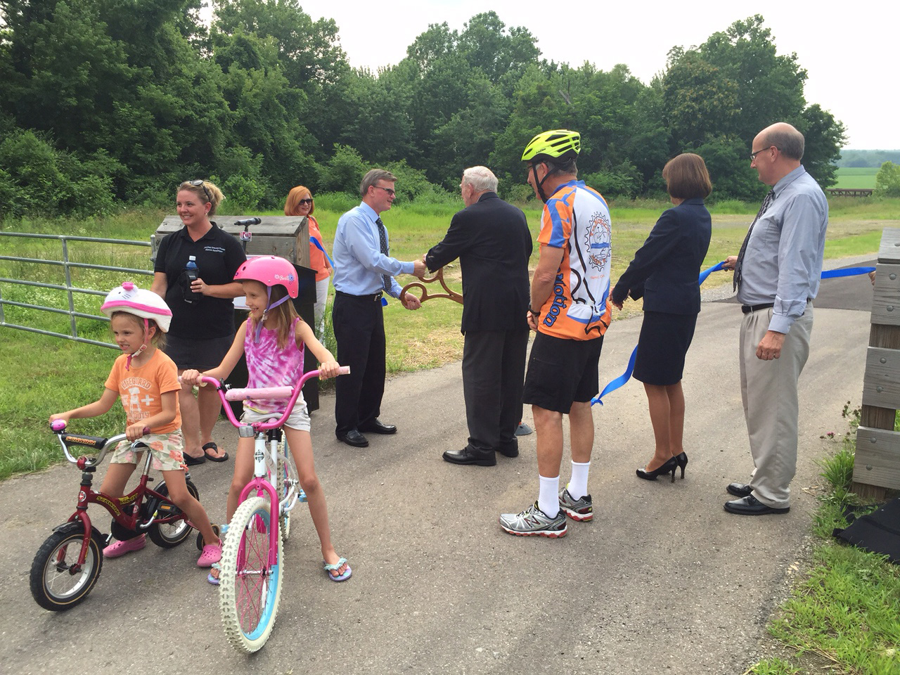 bike path ribbon cutting
